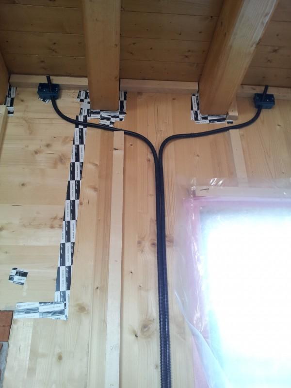 Punti luce for Impianto elettrico casa in legno