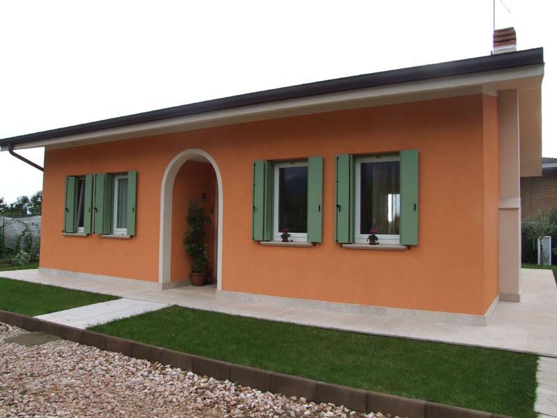 Casa prefabbricata in legno a schio 2 for Case colorate esterni